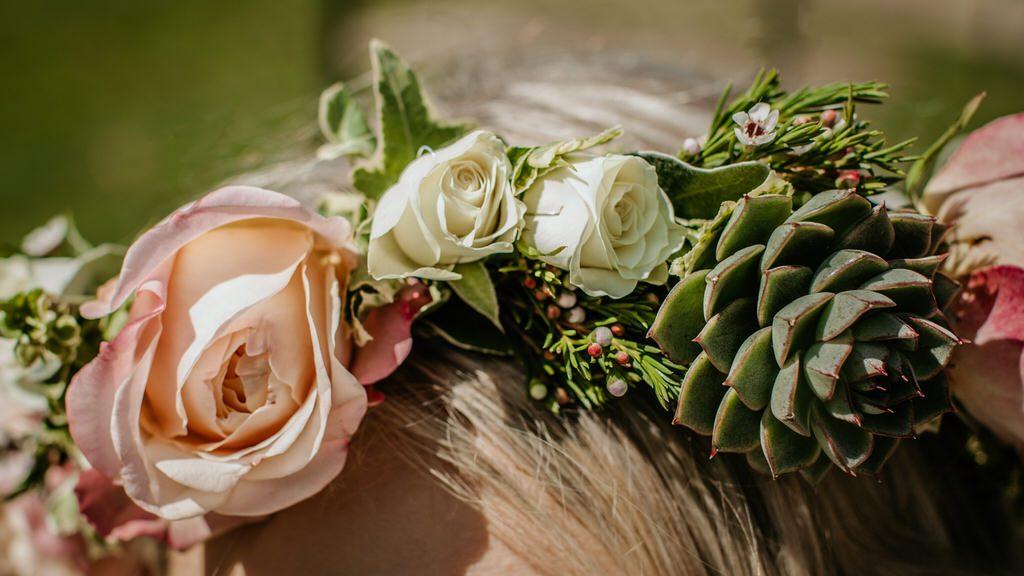 Wedding flower headpiece